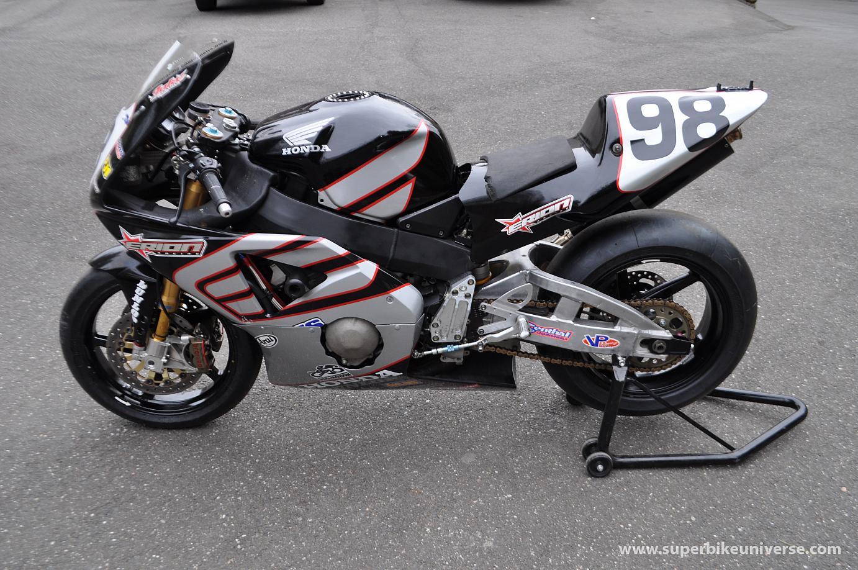 ... 2003 Honda CBR954RR Formula Extreme HRC racer ...
